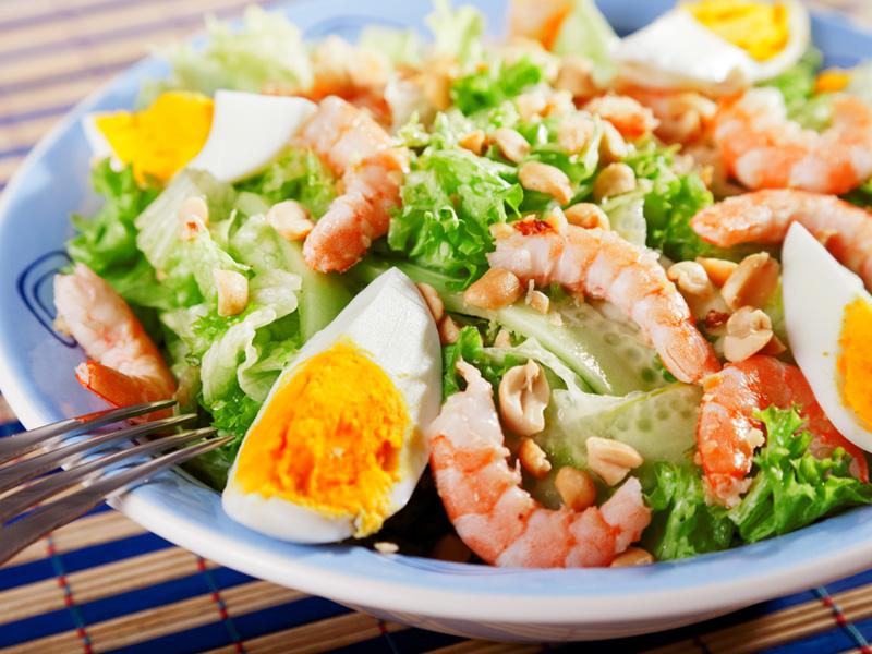 Ensalada-Camarones-Aceites-y-Esparcibles-Premier